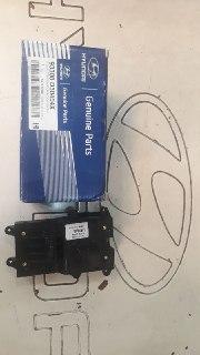 کلید ترمز دستی کامل هیوندایی نوسان مدل ۲۰۱۵ اصلی فابریک جیینون  ۹۳۳۰۰ D3040 4X