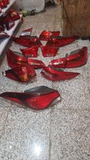 خطر عقب کیا سورنتو. مدل ۲۰۱۶ روی گلگیر و صندوق اصلی فابریک جیینون پارت  ۹۲۴۰۲ C5111 92404 C5111