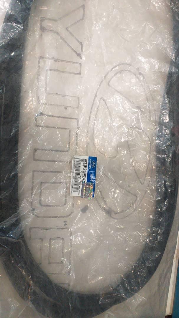 نوار دور ستون هیوندای سانتافه قدیم اصلی موبیس ۸۲۱۲۰ ۲B000